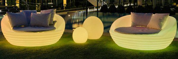 Muebles para jard n piscina y terraza decoraci n exterior for Decoracion exterior jardin contemporaneo
