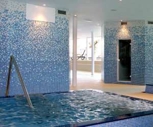 Suelo piscina Villaviciosa